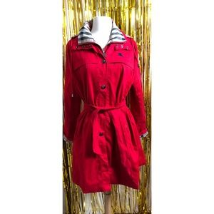 Burberry London Rain Coat in perfect condition